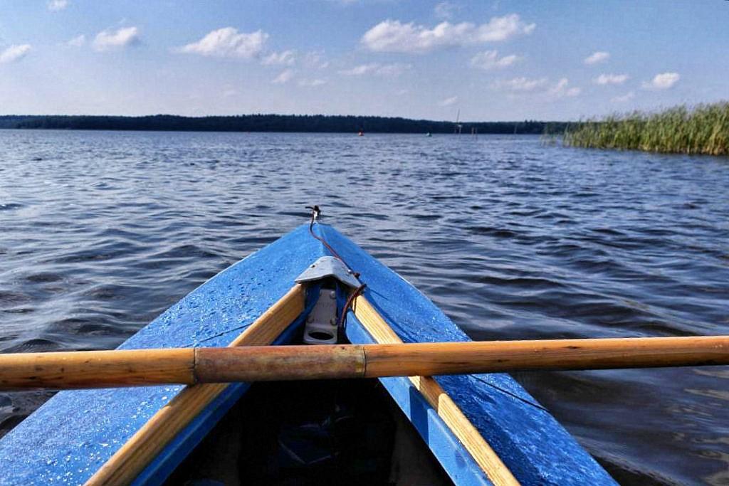 Die Mecklenburger Seenplatte mit dem Floß entdecken
