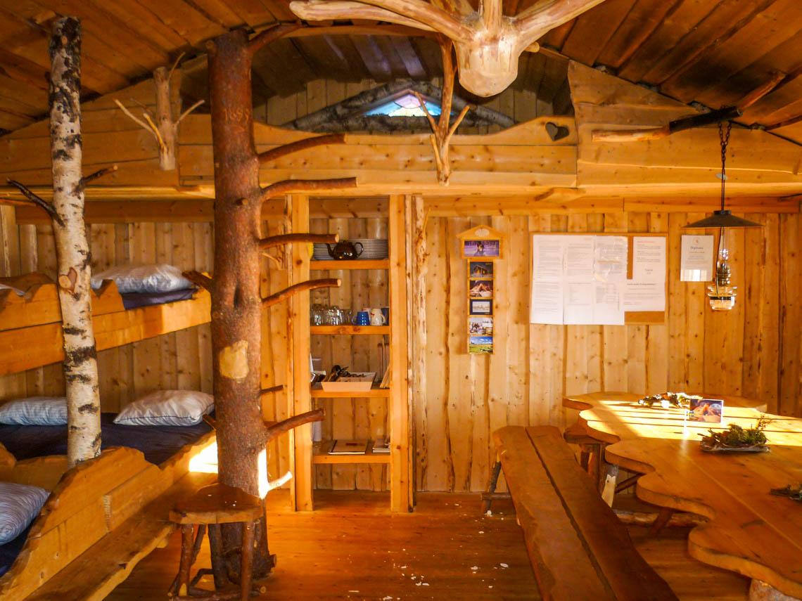 Im Wildnisdorf in Lappland Rentiere, Iglus & kein Strom (7)