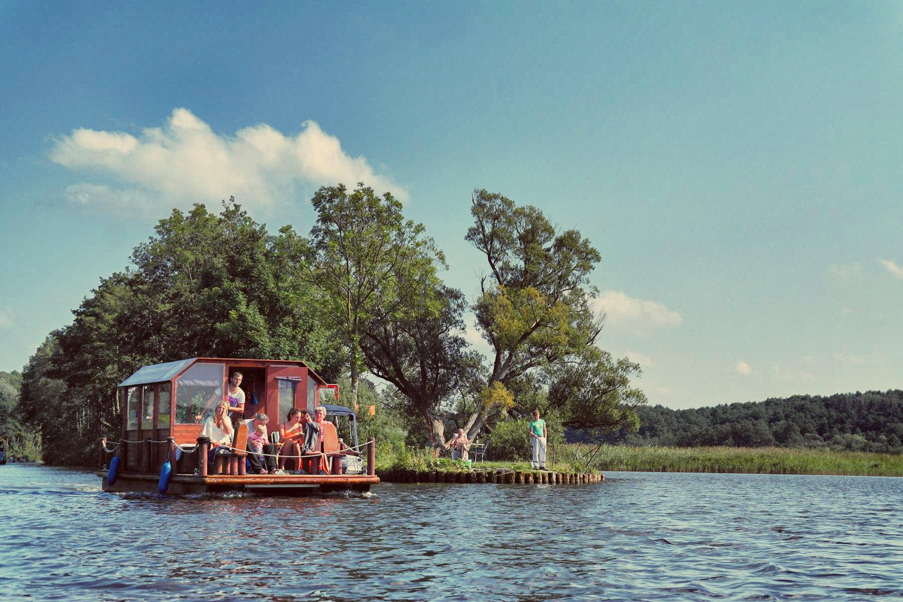 Floßfahren auf der Mecklenburgischen Seenplatte