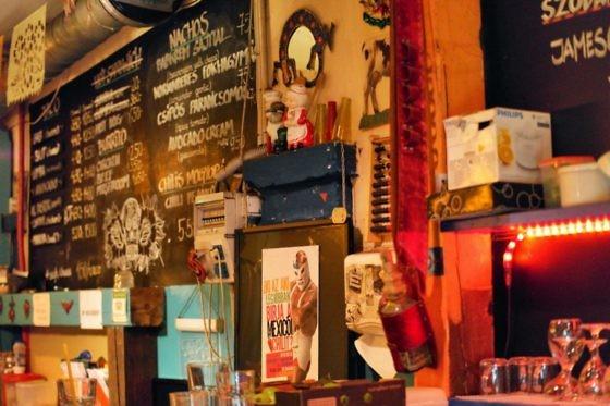 Ruin Pub Tour in Budapest - Ellato Kert