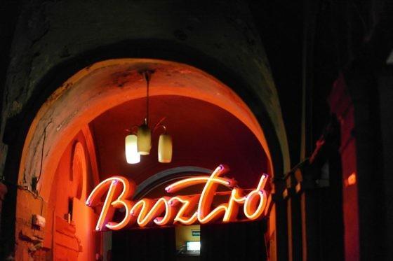 Ruin Pub Tour in Budapest - Instant