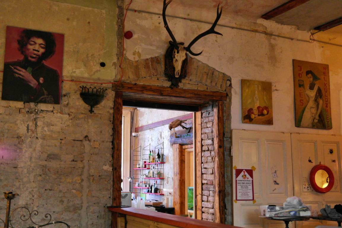 Ruin Pub Tour in Budapest - Szimpla Kert