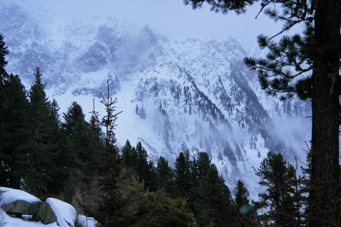 Iglu Übernachtung in den Alpen