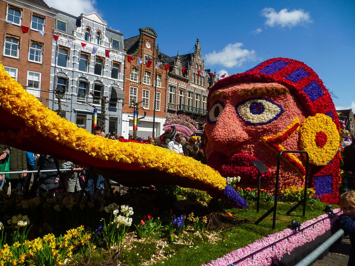 Tulpenblüte in Holland - Bloemencorso (1)