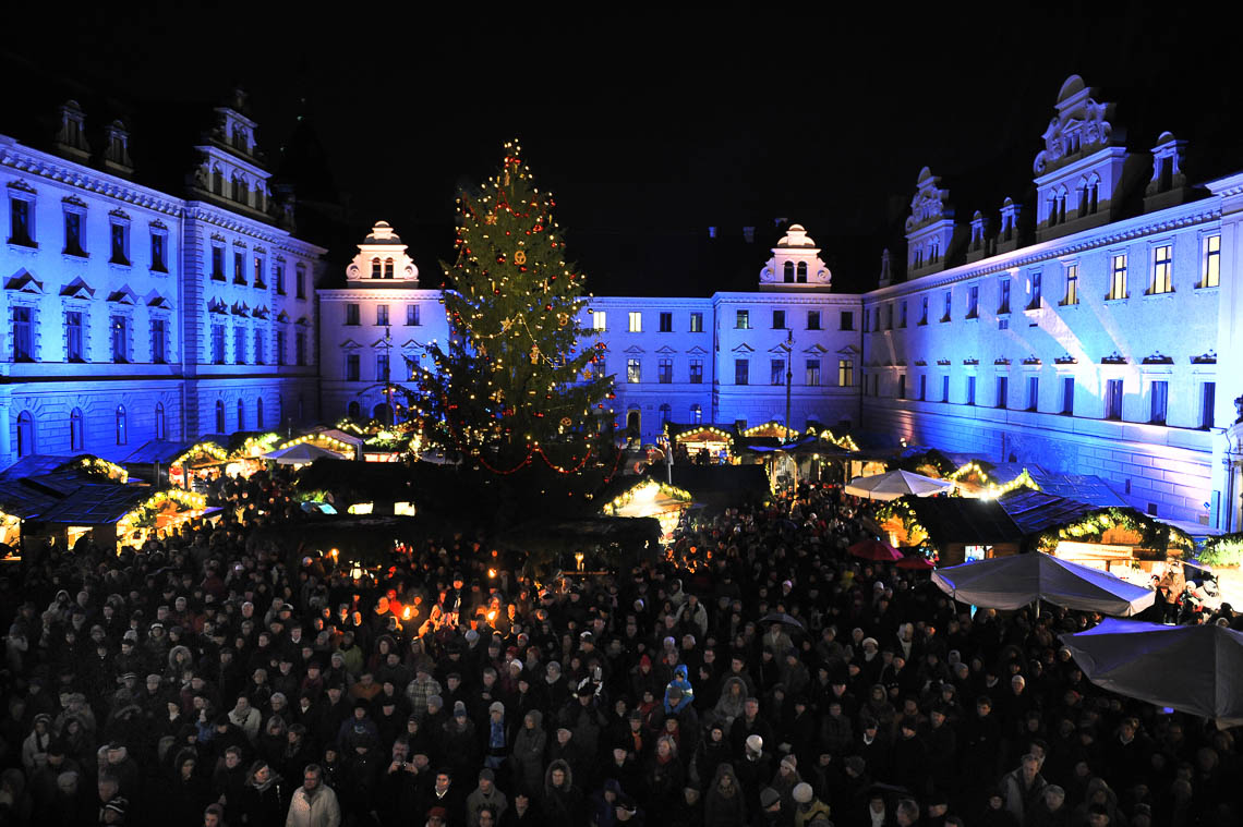 Romantischer Weihnachtsmarkt Schloss Thurn und Taxis-1