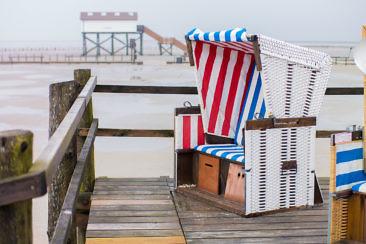 Selbst an grauen Tagen schön: Ein Strandspaziergang in St. Peter-Ording