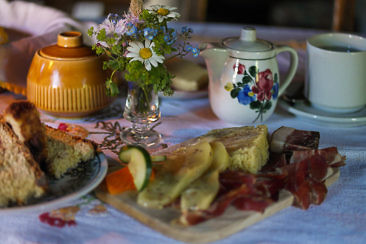 Frühstück in der Heiligenbachhütte