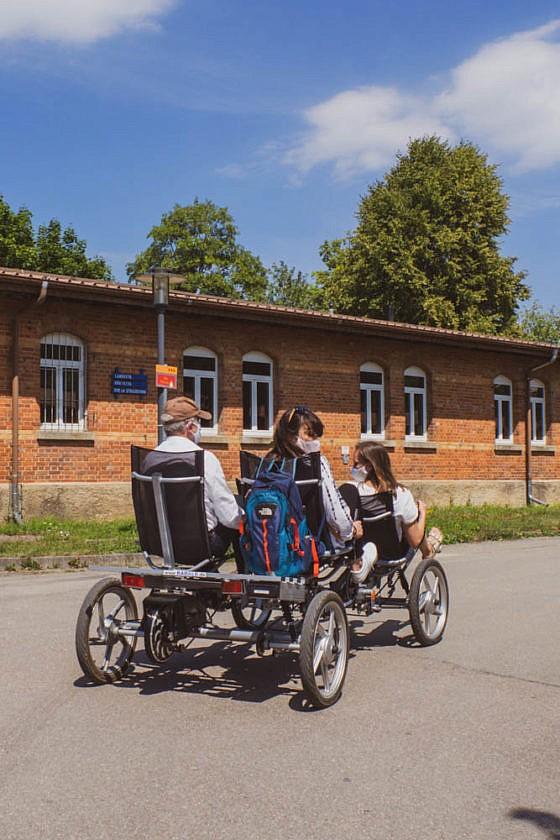 Zwei- und Vierräder von Radalb