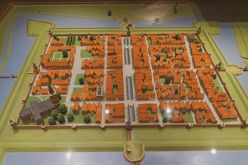 Der Aufbau Elburgs von oben - zu sehen im Museum Elburg