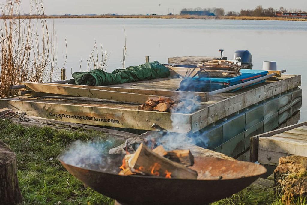 Mikroabenteuer Floßurlaub in der Wildnis bei Amsterdam - Experience Waterland