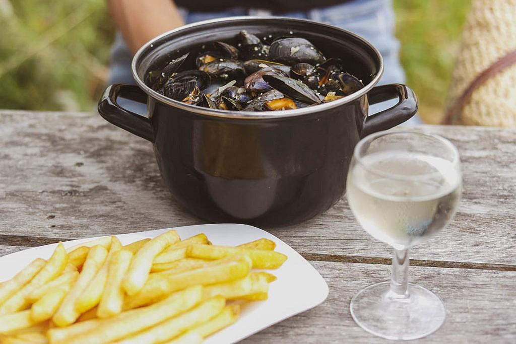 Muscheln essen auf der Insel Noirmoutier